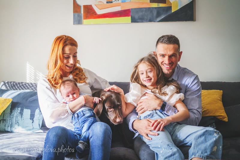 Бебешка и детска фотосесия в домаБебешка и детска фотосесия в дома
