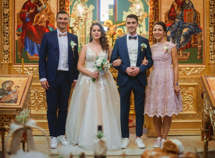 Църкви за кръщенета и сватби